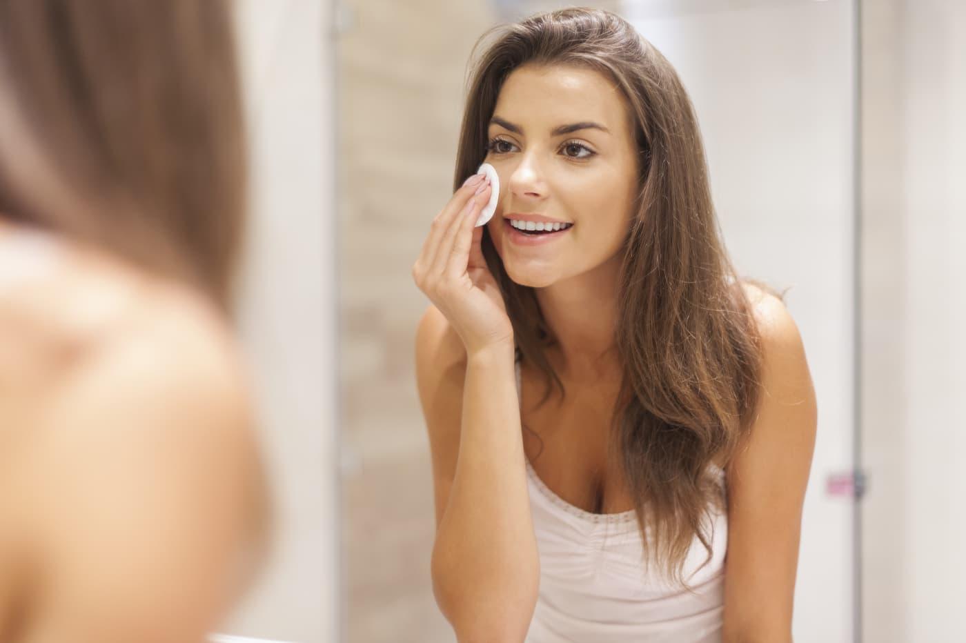 Тоник для кожи лица: очищающий, увлажняющий, для сухой, жирной, кислотный, матирующий, какой хороший, натуральный, домашний